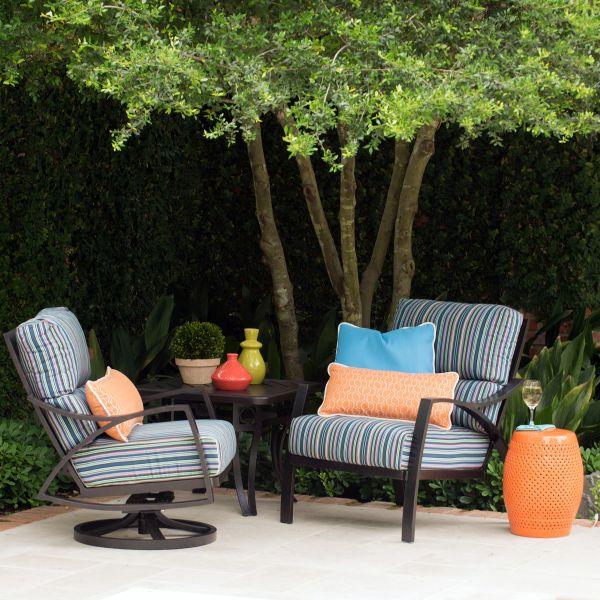 Heritage Cushion Spring Swivel Lounge Chair
