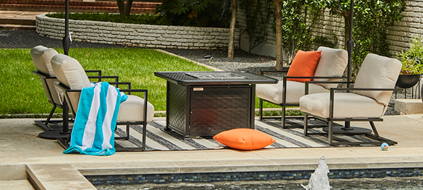 Mallin Quincy Cushion Outdoor Seating